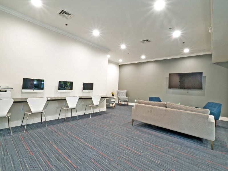 This image shows how spacious the Apple computer bar area. The tranquility and set up makes you comfortable to stay.
