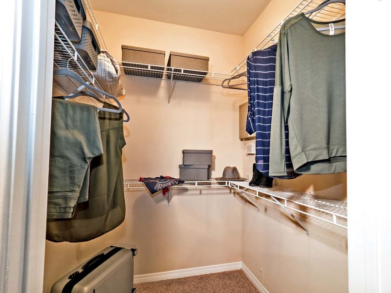 This image shows the premium apartment feature that includes a walk-in closet that was suitable for garments.